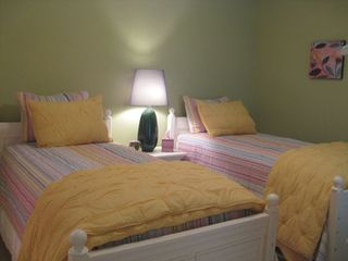 Guest room with twin beds or king and private bath - Kiawah Island villa vacation rental photo