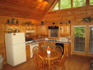 Gatlinburg cabin photo - Nicely equiped kitchen or put dinner on the outdoor grill.