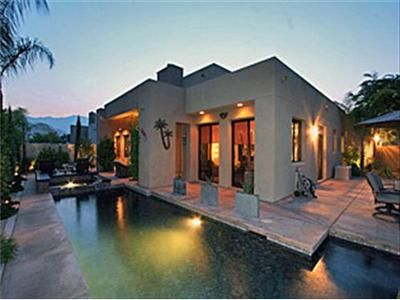 Palm Springs house rental - Pool & Home at Dusk