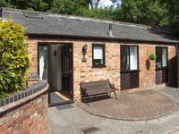 THE STABLES, romantic, country holiday cottage in Hatton, Ref 4142