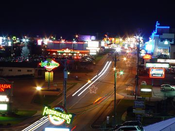 Neon lights on Hwy 76 strip in Branson