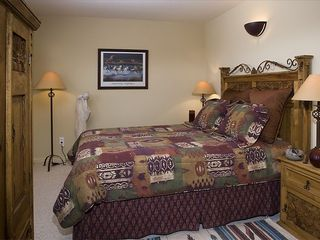 Moab condo photo - Queen-Bedroom