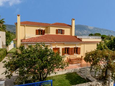 Exceptionally Spacious Villa in extensive private grounds, enjoys stunning views