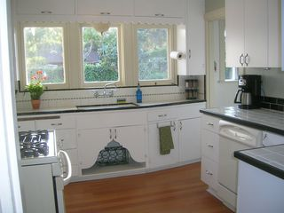 Santa Barbara bungalow photo - Sunny remodeled fully equipped kitchen; keeping the original cute factor