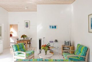 Mullins Bay apartment rental - Garden Apt - light, airy with modern fabrics
