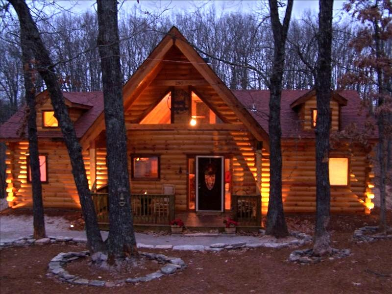 Branson log cabin private hot tub vrbo for Vacation log homes