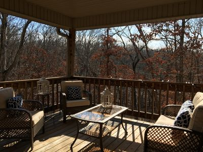 Beautiful all new furnishings, nestled in the trees! Close to Trails!
