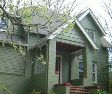 Beautiful 1930's 2-story cottage - 1 mile to Main Street