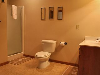 Branson lodge photo - Stand Up Showers (Basement Bathrooms)