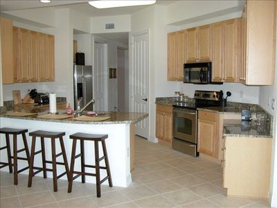 Punta Gorda condo rental - Upgraded Kitchen-Granite Counters-Maple Cabinets-S.S. Appliances-Lg.Dining Table
