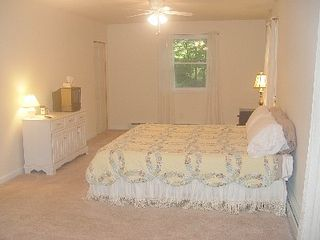Lake Wallenpaupack house photo - Upper level Bedroom -Queen Bed