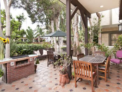 casita patio with barbecue and dining area situated on walkstreet