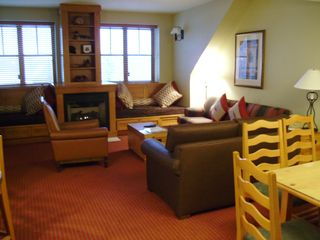 Stateline condo photo - LIVING ROOM