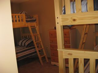 Arrowhead Lake chalet photo - Bedroom with 2 sets of bunkbeds.