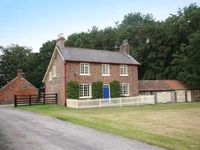 2 or 3 bedroom cottage on a farmstead on the edge of the Yorkshire Wolds
