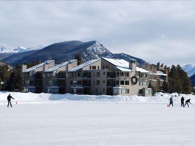 Visit the Keystone lake ice skating center during the winter season