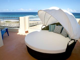 Isabela apartment photo - Round sun bed