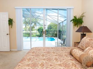 Glenbrook Resort villa photo - main master with private bath/walk-in shower and poolside access