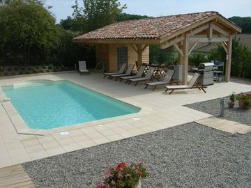 Le Paradis..Your HEATED & PRIVATE 10x4m pool