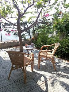 Casa Ulrica is a cozy studio apartment. It features a private terrace with a view of the sea, air conditioning and winter heating.