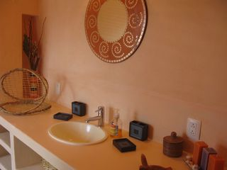 San Miguel de Allende house photo - Casita Vanilla - Bathroom Another View