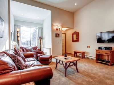 Cedars Townhomes Living Room Ski-in/Ski-Out Breckenridge Lodging