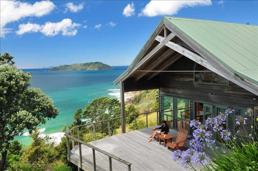Incomparable ocean island views walk to vrbo for Beach house builders new zealand