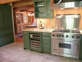 Quechee cabin photo - Kitchen - Viking 6 Burner Range & Subzero Wine Fridge