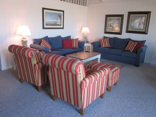 South Bethany Beach house photo - Living room with queen sleep sofa.