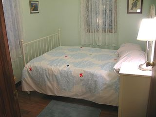 Shakopee cottage photo - 'Bluebird' bedroom