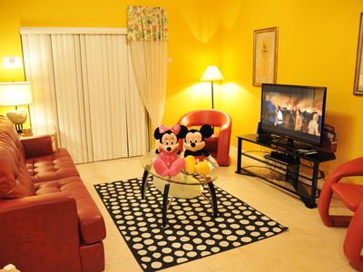 ⭐AFFORDABLE⭐Private Hot Tub/ Wii/ Game Room/ BABY-Friendly/ 10 min to Disney!!