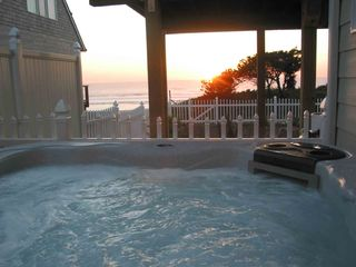 Newport house photo - Hot Tub