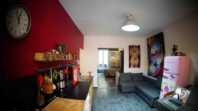 New apartment sleeps 5 in the heart of the 20th