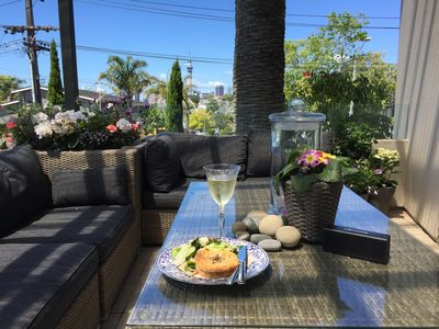City & Harbour Views, Three Minute Walk To Ponsonby Boutiques, Cafes, Nightlife