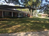 Modern  North Tampa pool home with all the amenities is ready for you!