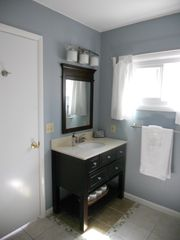 Petoskey cottage photo - Downstairs Bathroom