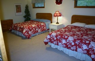 Large Bedroom with 2 Queens - Sandpoint house vacation rental photo