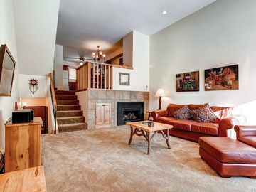 Breckenridge townhome rental - Cedars Townhomes Living Room Ski-in/Ski-Out Breckenridge Lodging