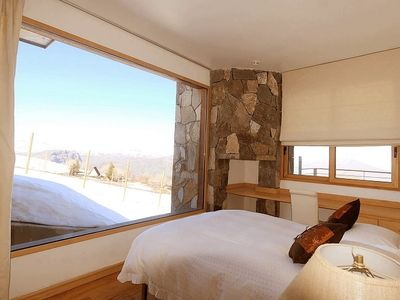 Farellones chalet rental - Middle Level twin bedroom with panoramic view