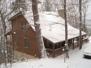 Wears Valley cabin photo - Beautiful cabin nestled among the trees for ultimate privacy