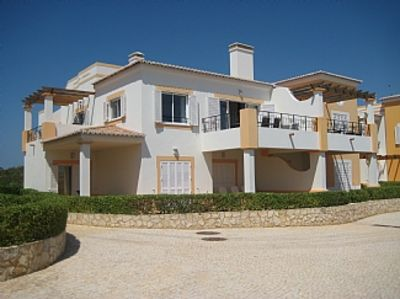 Luxury 3 Bedroom Townhouse, With Shared Pool And Fabulous Sea Views.