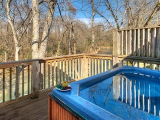 Pigeon Forge chalet photo - Relax a few minutes in our Hot Tub
