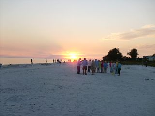 Sanibel Island condo photo - People toast the sunset & look for the Green Flash
