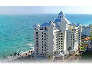 Fort Lauderdale hotel rental - Pelican Grand Beach Resort Right on the Beach in Fort Lauderdale.