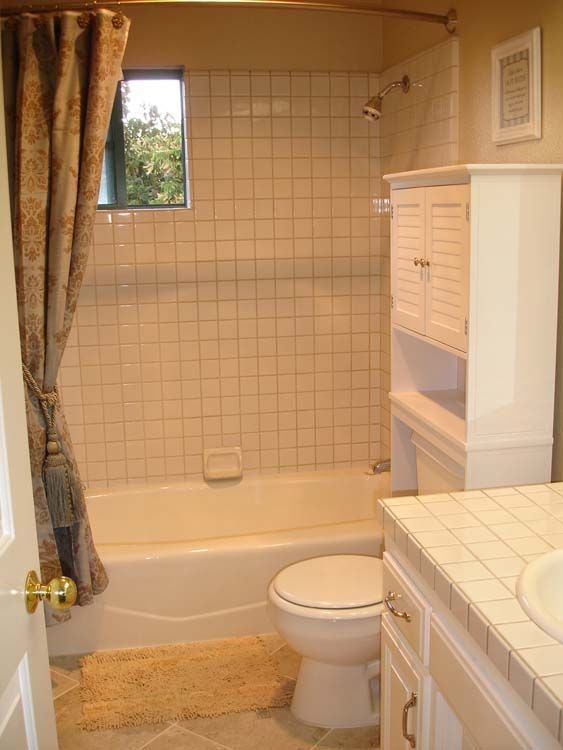 Guest bath, downstairs