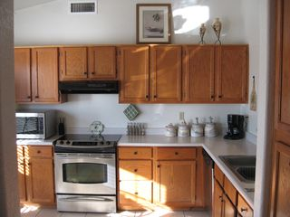 Glendale house photo - A fully equipped modern kitchen.