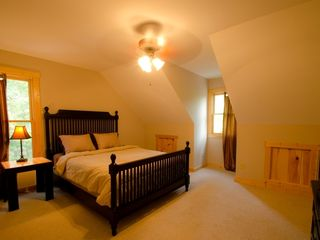 Ellijay cabin photo - Spacious Upstairs Queen bedroom with 27 inch TV and DirectTV