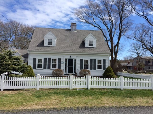 Walk to long pond from this classic cape vrbo for Dormered cape