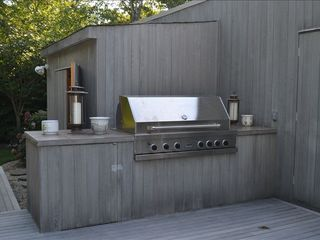 Quogue house photo - Viking Grill