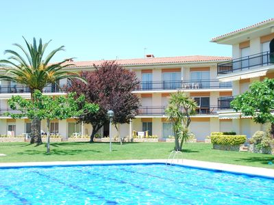 Apartment overlooking the pool, just 600 meters from the beach